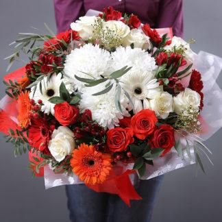 Розы Герберы и Камелия